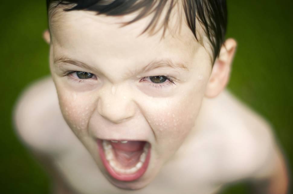 photo-boy-face-scream-water